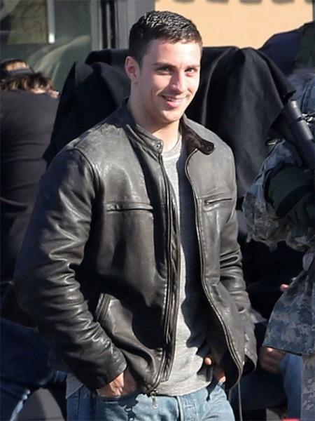 Aaron-Taylor-Johnson-filmed-Godzilla-Jacket-450×600