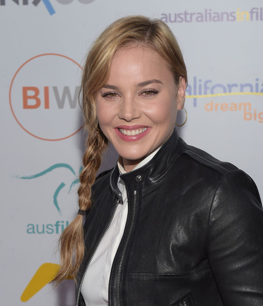Abbie-Cornish-Leather-Jacket-1
