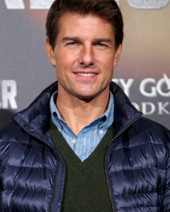 Jack-Reacher-Premiere-Tom-Cruise-Blue-Jacket-1-570×708