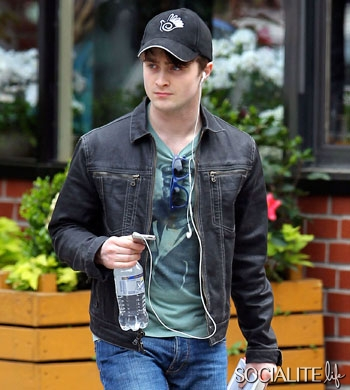 daniel-radcliffe-nyc-05142011-lead-350×390