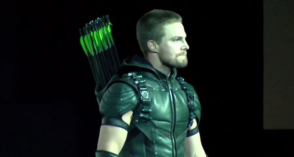 green-arrow-stephen-amell-sdcc-2015