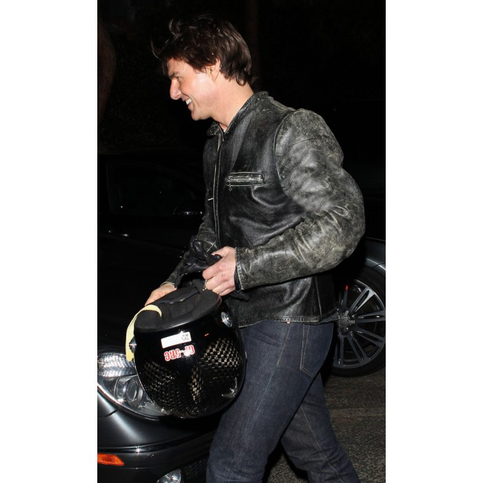 tom-cruise-rides-motorcycle-for-lucas-on-sunset-dinner-outing-29-700×700