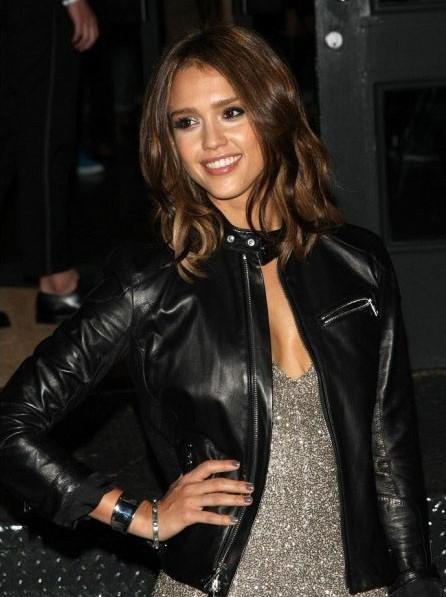 American-Movie-Actress-Jessica-Alba-Stylish-Black-Leather-Jacket