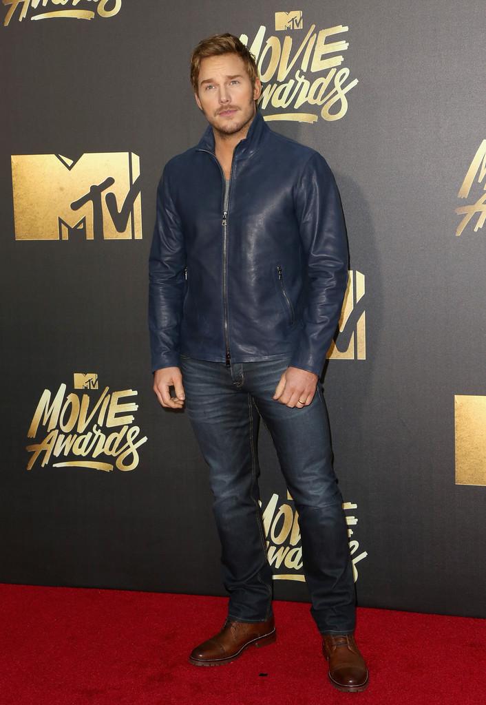 Chris-Pratt-2016-Style-MTV-Movie-Awards-John-Varvatos-Leather-Jacket