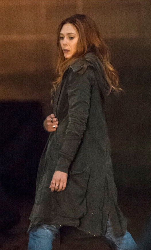 avengers-infinity-war-scarlet-witch-coat__06822_zoom
