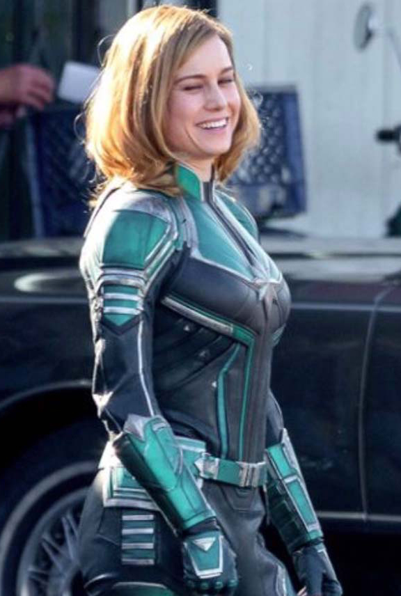 Captain_Marvel_Leather_Jacket__62386_zoom