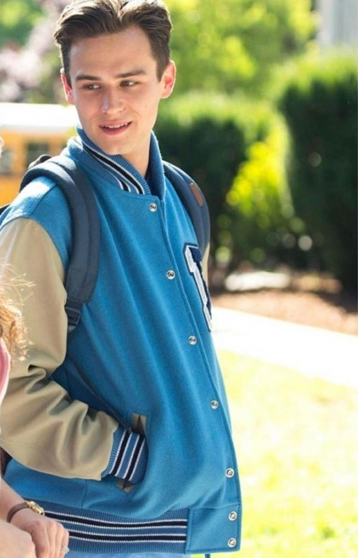 Justin_Foley_13_Reasons_Why_Varsity_Jacket__96921_zoom